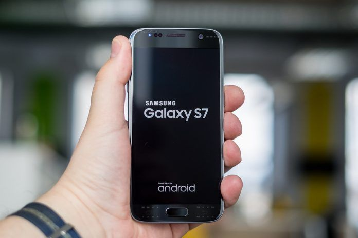 Samsung Galaxy S7 phone is now on 29,990 after a flat discount of Rs 16,010 on online retail website Flipkart during Samsung mobiles fest in a promotional sales event (6 to 8 November). E– retailer, Flipkart is also giving off on exchange at Samsung smartphone, buyers can get Samsung Galaxy S7 a...
