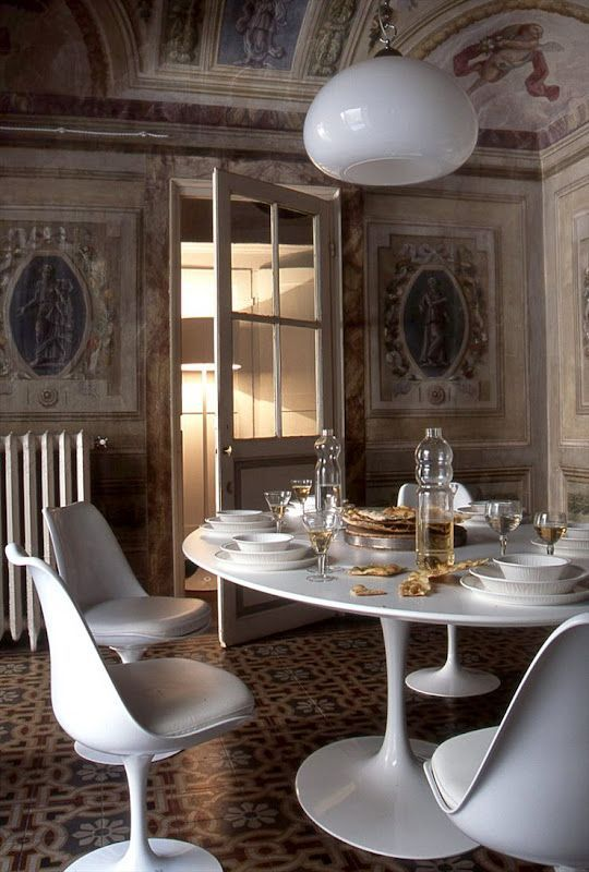 ... in white stand in perfect contrast to the palazzo's walls and beautiful  wall panels. Interior Designer & Architect: Sabrina Bignami of Studio B-Arch .