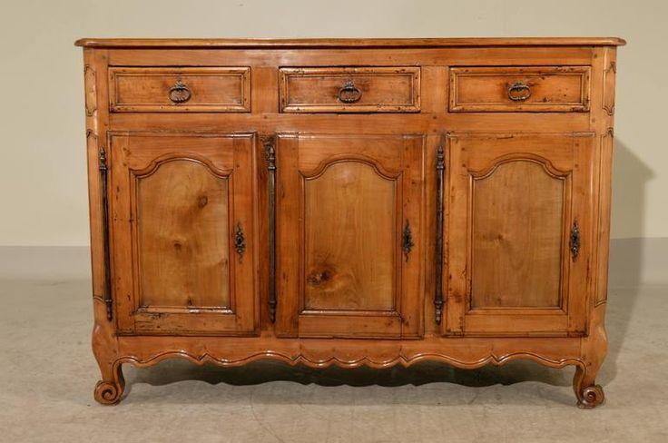 Öreg fa szekrény