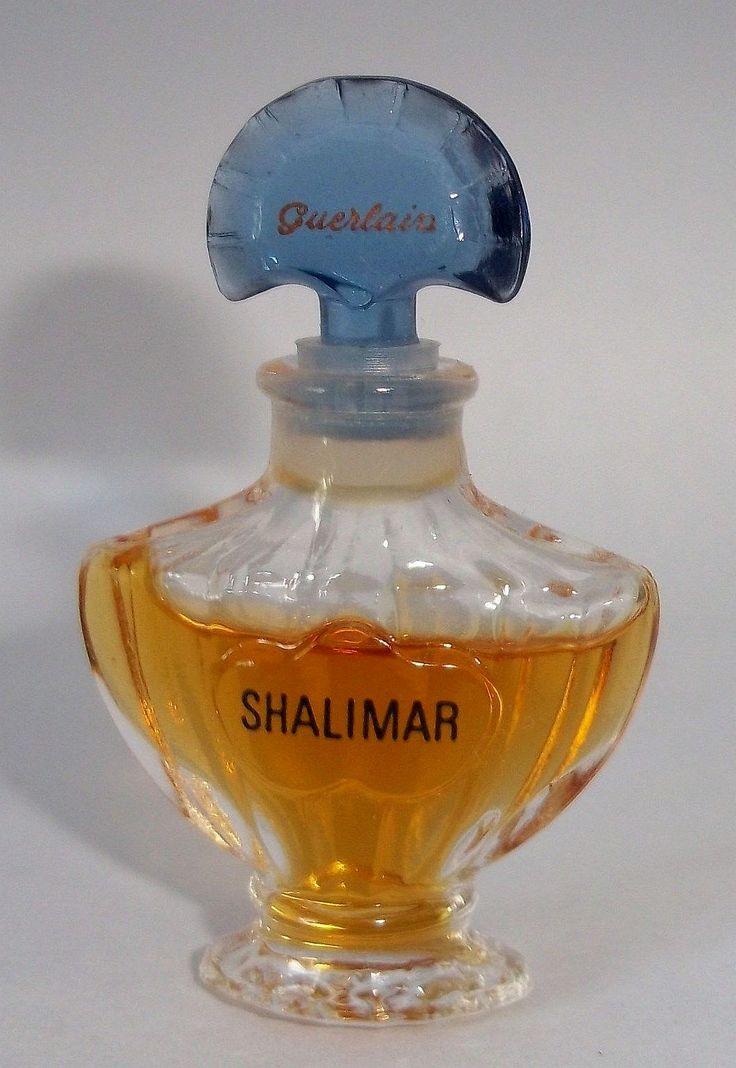 les 70 meilleures images propos de parfums miniatures sur pinterest bouteille fran ais et. Black Bedroom Furniture Sets. Home Design Ideas