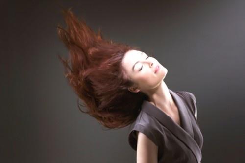 Consejos para teñirse el pelo en casa - http://www.efeblog.com/consejos-para-tenirse-el-pelo-en-casa-8490/