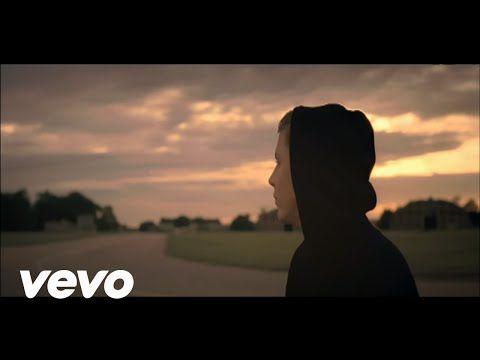 Professor Green - Read All About It ft. Emeli Sande - YouTube
