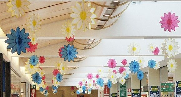 Pi di 25 fantastiche idee su decorazioni primaverili su - Decorazioni primaverili per finestre ...