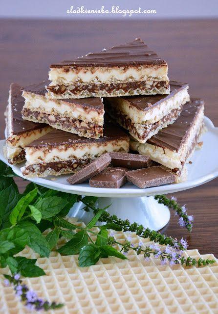 Domowe kajmaki jak Knopers z czekoladą, kremem czekoladowym i orzechami ,homemade waffles, Hjemmelagde vafler  http://slodkieniebo.blogspot.com/2016/08/domowe-kajmaki-ala-knoppers.html