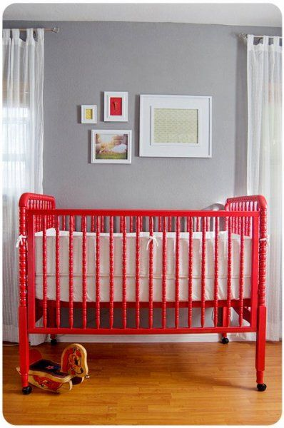 I LOVE colored cribs. A round-up of painted cribs in every color of the rainbow! @BabyCenter #nursery #crib