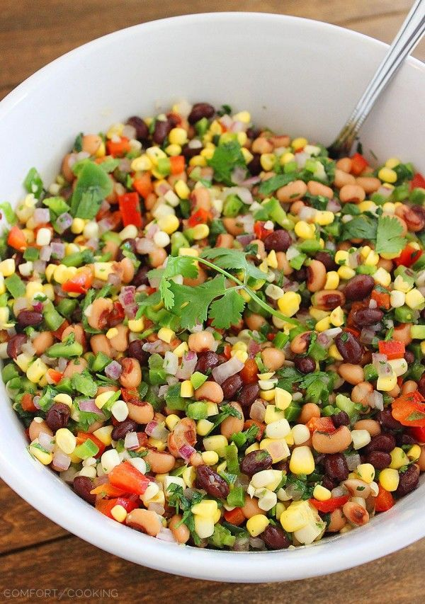 Texas Caviar – Serve this fresh, zesty corn salad with beans, bell peppers and jalapenos on the side of grilled meats and fish, or on top of burgers and crostini!   thecomfortofcooking.com