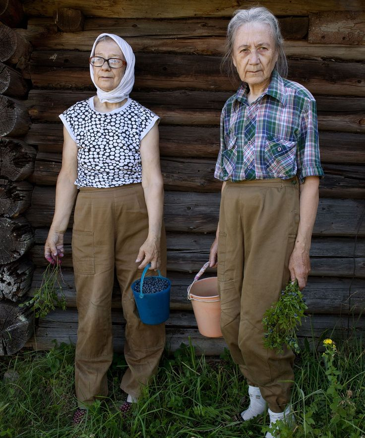 Nadia Sablin Aunties Photo Series | A beautiful photo series that explores the daily lives of two unmarried sisters living in their childhood home in Alekhovshchina, Russia. #refinery29 http://www.refinery29.com/nadia-sablin-aunties