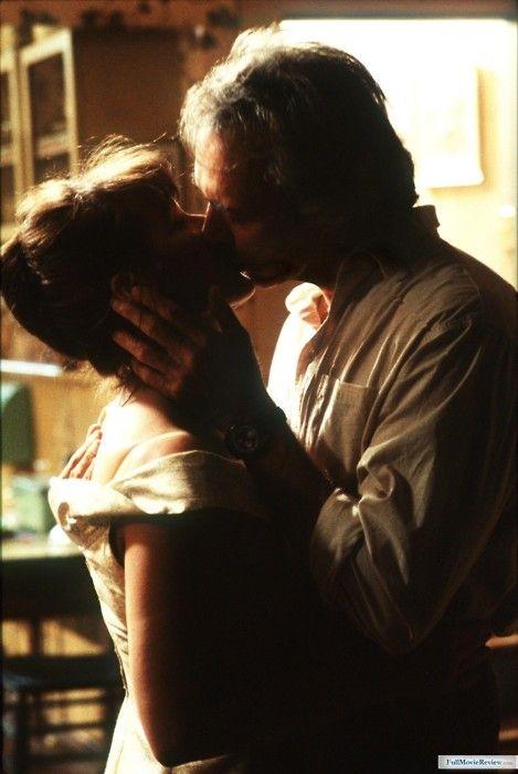 Clint Eastwood et Meryl Streep - Les ponts de Madison County - réalisé par Clint Eastwood - 1995                                                                                                                                                      Plus