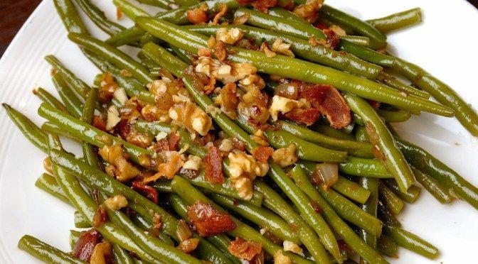 Deze haricots vers zijn lekker makkelijk, maar toch heel bijzonder door de combinatie van balsamico en walnoot. Een perfect bijgerecht voor de feestdagen!