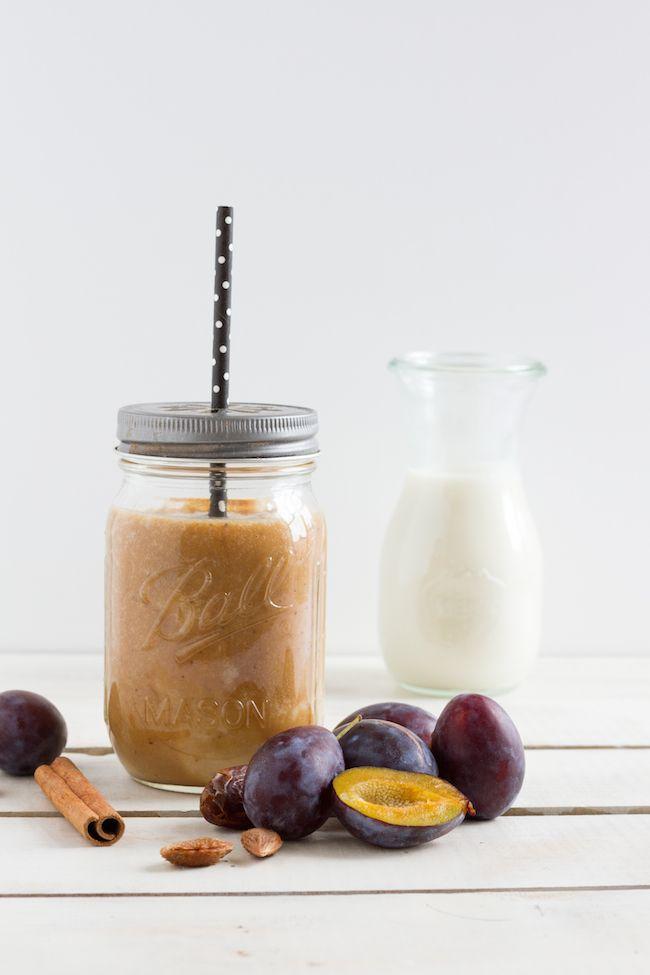 Smoothie Pflaumen, Zimt & Mandelmilch // Smoothie Plums, Cinnamon & Almond Milk