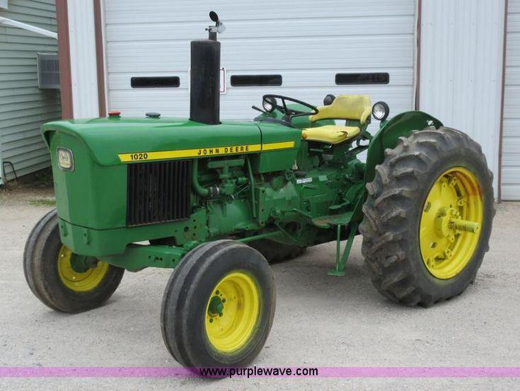 AC9285.JPG - John Deere 1020 tractor , 3,309 hours on meter , John Deere three cylinder gas engine , 38 HP , Seri...