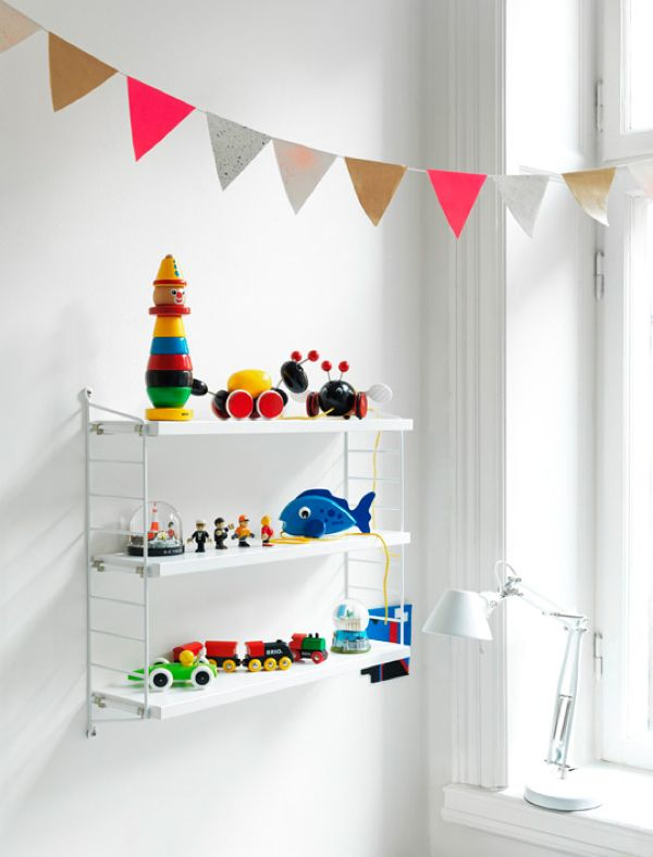 Why oh why are small children being given String shelves yet still I have none myself... Sob...