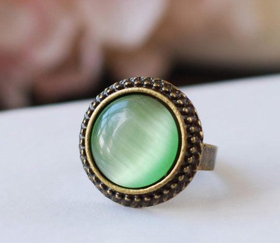 Hey, diesen tollen Etsy-Artikel fand ich bei https://www.etsy.com/de/listing/121797153/grune-katzen-auge-ring-mintgrun-katzen