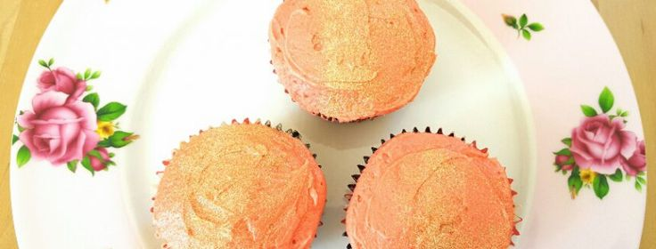 Sweet summer strawberries baked into light cupcakes. Delicious! #thefatfoodie #cupcakes #glutenfreefood #glutenfreerecipes #glutenfree #glutenfreecupcakes #dairyfree #dairyfreerecipes #dairyfreecakes #dairyfreefood