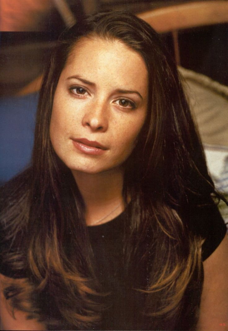 PIPER HALLIWELL CHARMED as gorgeous as it gets!!!