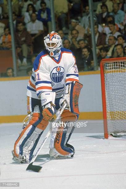 canadian-professional-hockey-player-grant-s-fuhr-goalie-for-the-picture-id71488440 (408×612)