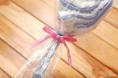 How to Make Washcloth Lollipops #babyshower #babies #DIY #giftideas #DIYgifts #gifts #ideas