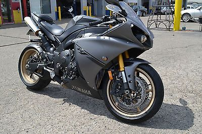 Yamaha : YZF-R 2014 yamaha yzf r 1 super street bike only 1 700 miles like new no reserve