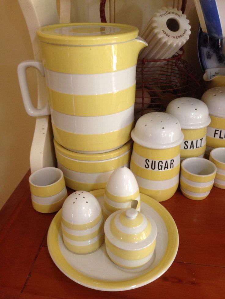 Cornishware Yellow 2Pint Refrigerator Jug and Large Fridge Pot with Cruet Set