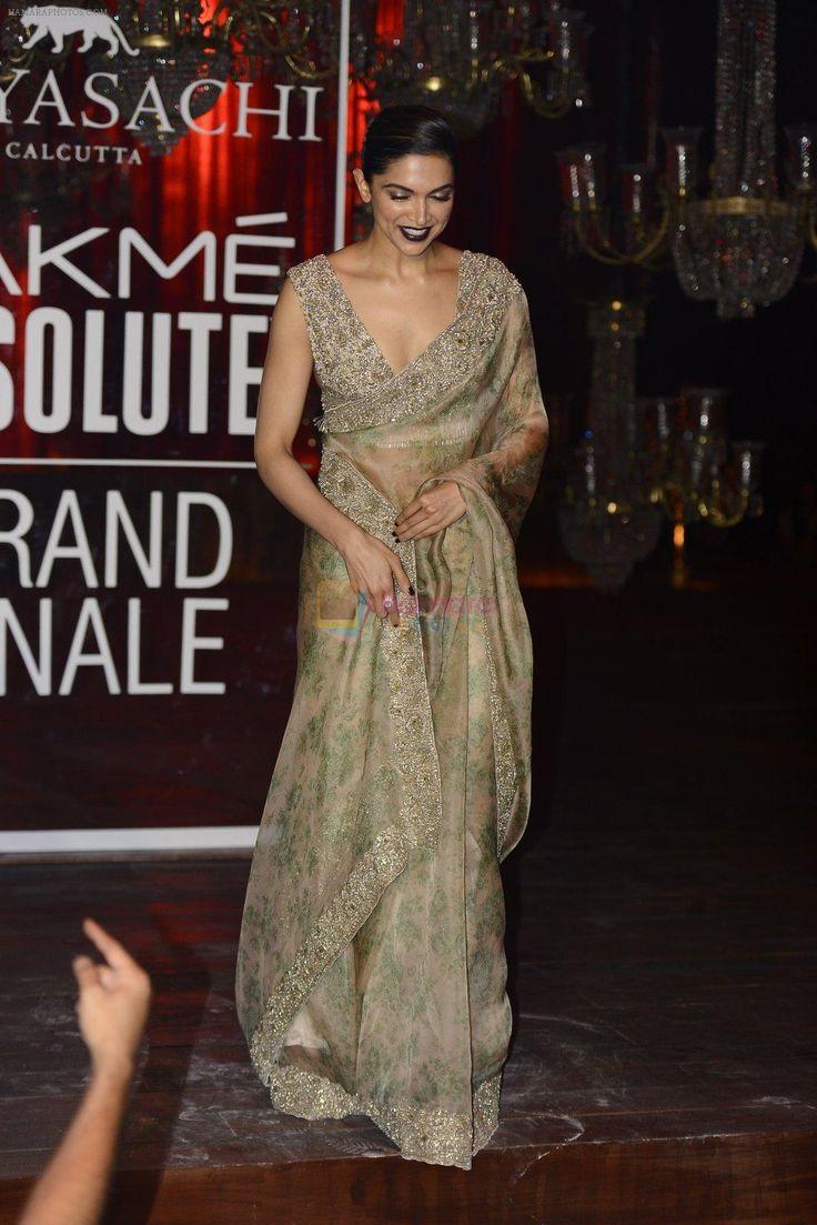 Deepika Padukone   Saree look, Saree styles, Wedding saree ...