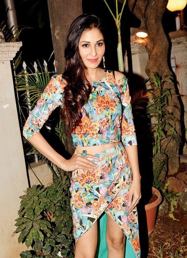 Pooja Chopra at a designers collection launch. #Bollywood #Fashion #Style #Beauty #Hot #Sexy #Punjabi