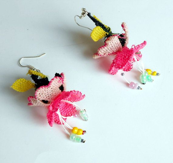 Handmade  Crochet Earrings. Flower Earrings Dangle by seragun