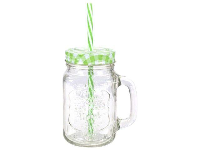 Gusta mason jar - drinkglas groen 7x13cm. Een coole, van origine Amerikaanse 'weckpot' nu ook als drinkglas met deksel!  Vrolijk glazen drinkglas met afmeting 7 x 13 cm, voorzien van deksel en rietje en met handvat. Verkrijgbaar in verschillende kleuren, combineer en maak van elke gelegenheid een feestje. Uitstekend te combineren met de Gusta limonadetap, een feestelijke set, vooral voor kinderen.