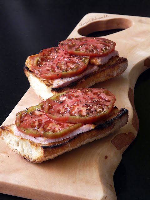Open-faced Peameal Bacon and Tomato Sandwiches