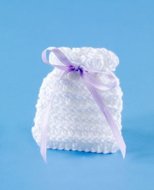 Pretty wedding favor sachet, quick and easy. Would work for drawer or pillow sachet, as well. Pattern is free.