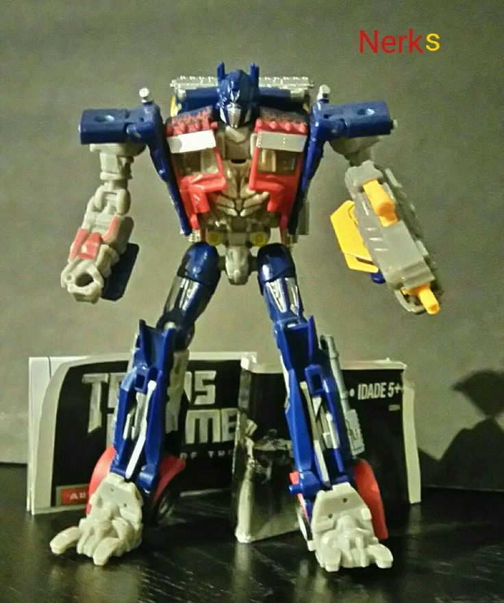 Optimus Prime DOTM Mechtech class 2, Complete with instructions 2010 Hasbro. $15.00 CDN +ship.
