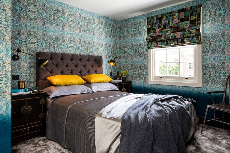 Chapelle Noon and Blush wallpapers used in this scheme designed by Daniel Hopwood. Blackpop.co.uk