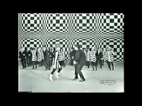 ♫ Rita Pavone ♪ Il Geghegè ♫ Video & Audio Restaurati - YouTube