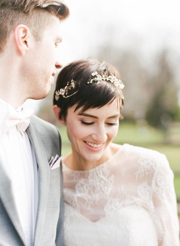 pretty wedding hair for a pixie cute