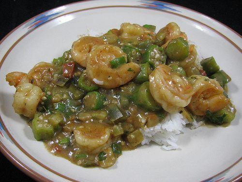 Shrimp etouffee is a spicy New Orleans Cajun/Creole classic that will make your taste buds tingle! At just 6 Weight Watchers PointsPlus per serving, this rich dish is deceptively easy on the waist.