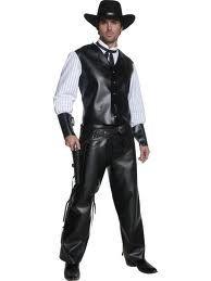 Costume adulto CowBoy, authentic gunslinger, Saloon Western: Tg.M completo di casacca completa di maniche e polsiere, colletto e copripantalone in ecopelle. Travestimento a Carnevale o Festa a Tema. Disponibile da C&C Creations Store