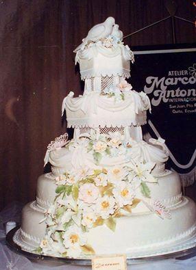 """Recordando... Producción """"New Cake Boutique"""" 25 años atrás. 1990. ¡SIEMPRE INNOVANDO!  www.newcake.net  #newcakeboutique #weddingcake #cakeart #marcoantoniolopez #cursoscakes"""