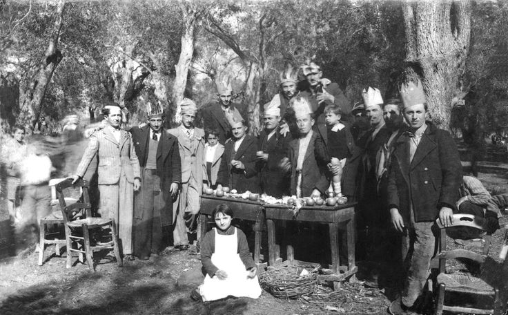 Κούλουμα στον Άγιο Γεώργιο Πρέβεζας το 1936.