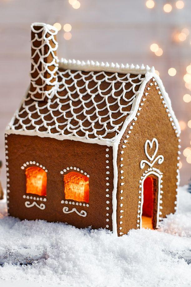 Best 25 Christmas Gingerbread House Ideas On Pinterest