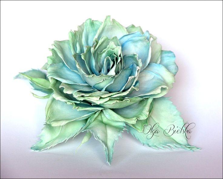 Foamiran flower. / Kwiat (róża) z jedwabnego foamiranu.