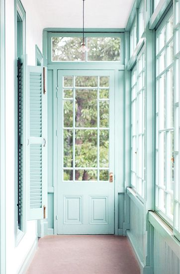 Your Walls Need: The Color SwampDoors, Mint Green, Sunrooms, Aqua Blue, Sun Porches, Porches Enclos, Colors, White Wall, Sun Room