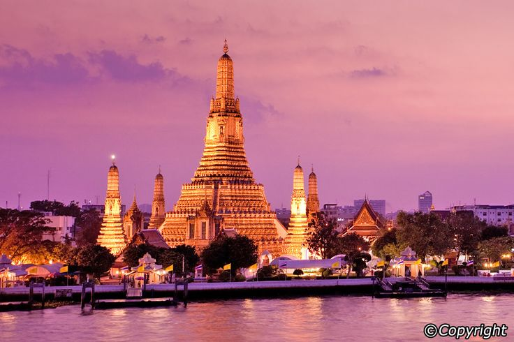 Bangkok at night, especially along the city's spectacular Chao Praya River, is a wonder to behold. For proof of this, look no further than one of many available dinner cruises. While you wine and dine in luxurious surroundings, you'll get a true taste of just how much