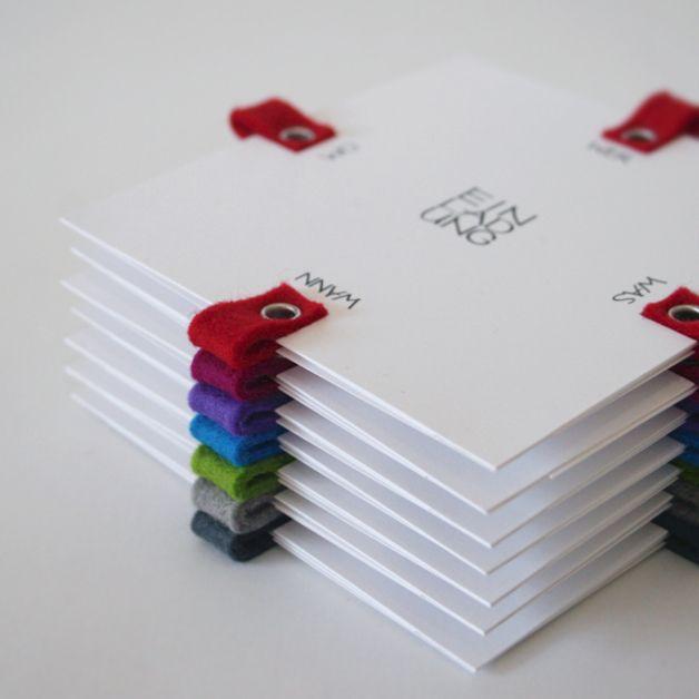 """einladung FLAGS besonders originelle einladung in leuchtenden farben. je seite lassen sich vorgedruckte """"multiple choice""""-kärtchen herausziehen, die das schreiben der einladung erheblich..."""
