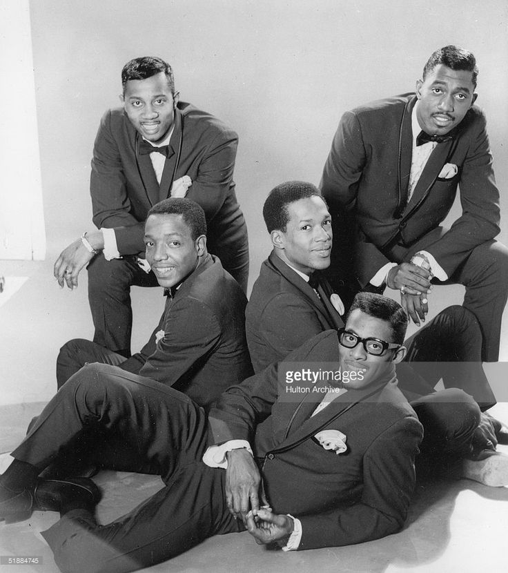Promotional portrait of the America R&B group the Temptations, mid 1960s. From left, Melvin Franklin (1942 - 1995), Paul Williams (1939 - 1973), Eddie Kendricks (1939 - 1992), David Ruffin (1941 - 1991), and Otis Williams.