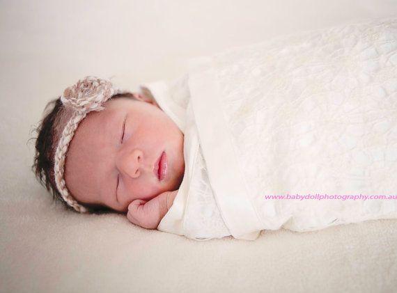 Venda del bebé ganchillo flor blanca crema tan neutral por baboom, $9.50