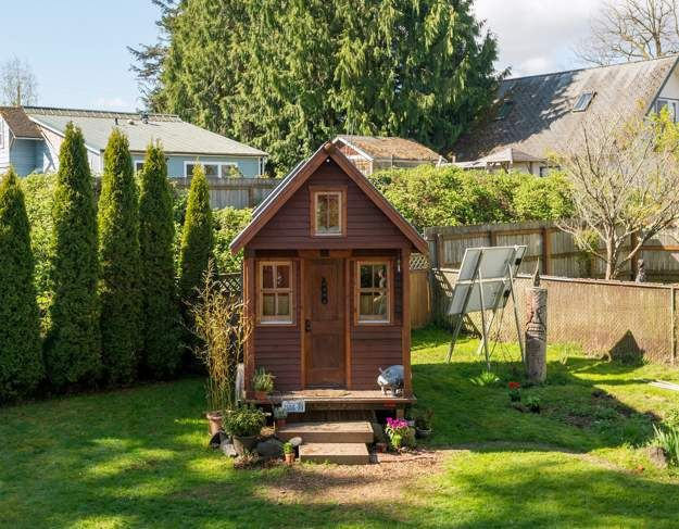 14 Amazing Tiny Homes | Low Budget Home Designs Great For Your Homestead.  From Floating Tiny Home To Tree House, Wedge, On Wheels, Luxury Farmhouse And So Much More! by Pioneer Settler at http://pioneersettler.com/tiny-homes/