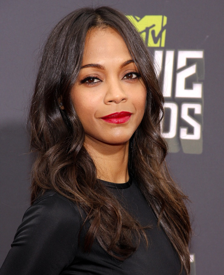 Today's mixed chick of distinction is Zoe Saldana. Zoe was born and raised in Passaic, New Jersey. Her mother is Puerto Rican and her late father was Dominican which makes her 100% Latina and proud! She has risen through the ranks to become one of the most sought after actresses in Hollywood.