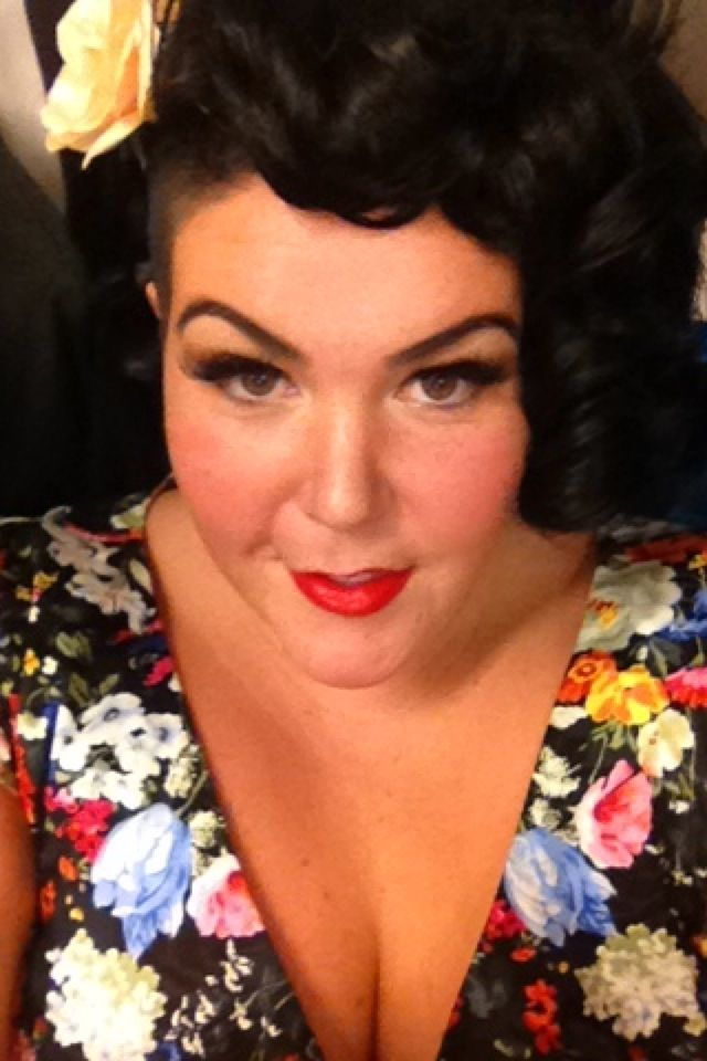 #retrohairandmakeuo #muahbylexi #lexiwhitewall   dress: #cherryvelvet
