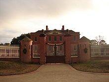 再建された植民地時代の総督邸宅「トライオン・パレス」、ニューバーン市。-ノースカロライナ州 - Wikipedia