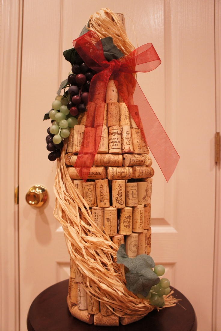 Cork wine bottle decor made by me pinterest bottle for Decorating with wine corks
