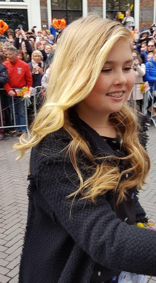 Super mooie foto van Amalia. Koningsdag 2106 - Zwoller Deze foto is gemaakt door mijn vriending Brenda vd Steeg.